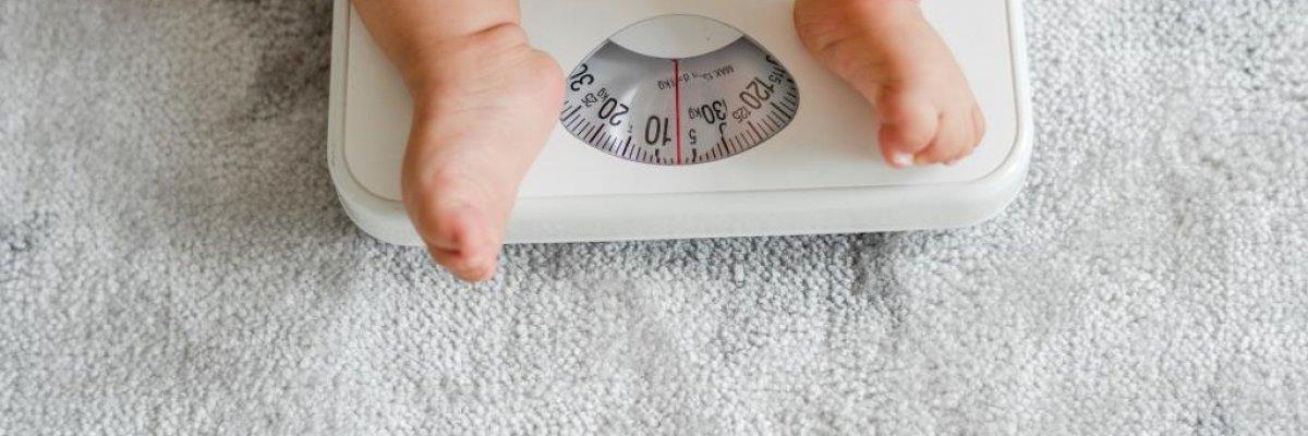 Mi okozhatja, ha a csecsemőm súlya nem a várt ütemben fejlődik?